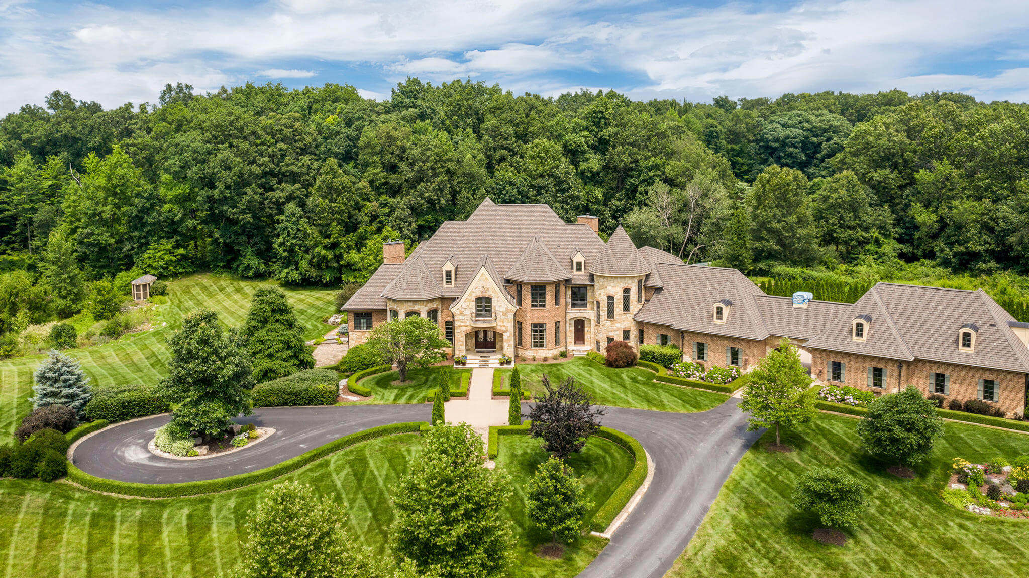 11479 Clyde - Hartland, Michigan - $2,950,000 USD