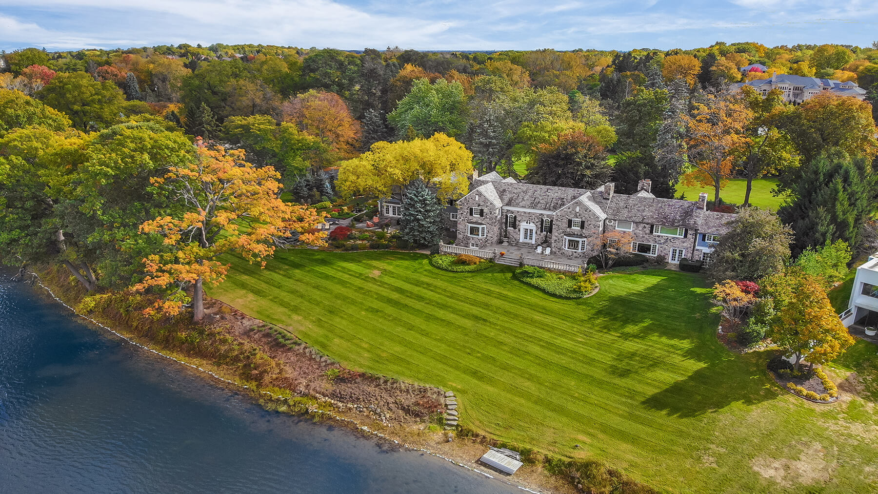 1500 Long Lake Road - Bloomfield Hills, Michigan - $3,499,000 USD