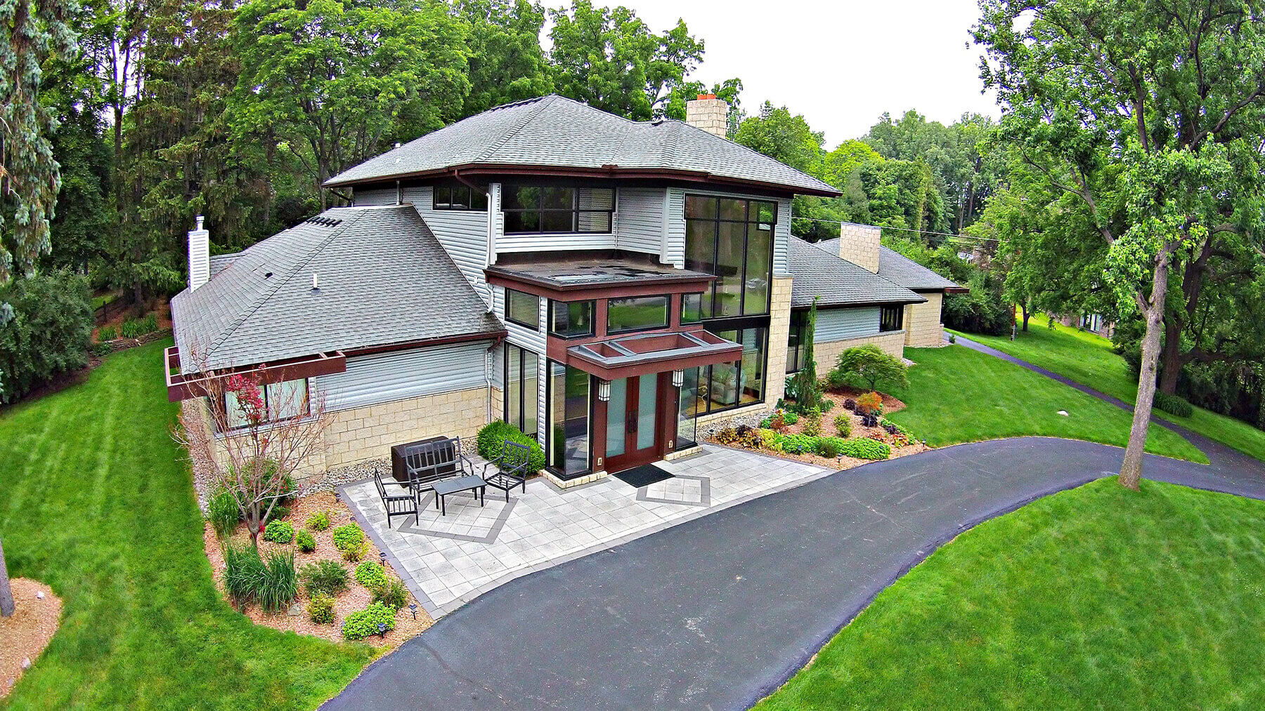 7106 Old Mill - Bloomfield Hills, Michigan - $1,348,000 USD